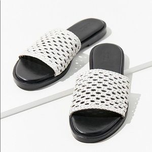 NEW Urban Outfitters White Leather Sandals